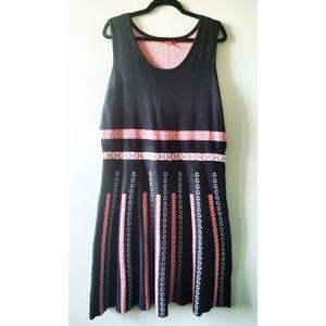 MODCLOTH Dress with unique design